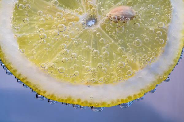 切片柑橘与露珠的特写摄影滴下高清壁纸