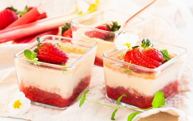壁纸草莓,奶油,奶油,甜点,甜点,奶油蛋糕,草莓