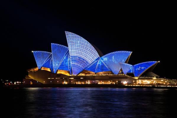 悉尼歌剧院在夜间高清壁纸