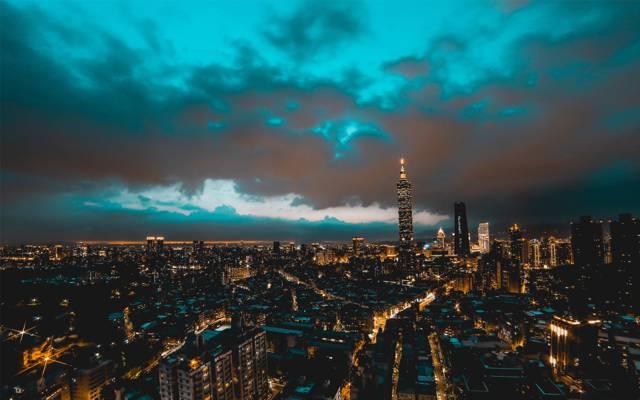 夜幕下的台北市景象