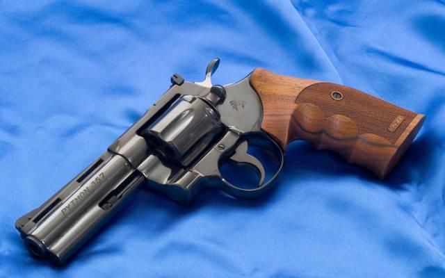 左轮手枪,背景,马驹,Python,帆布,蓝色,武器,Python,壁纸,马驹