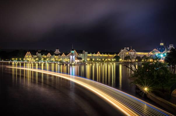 一个城市在夜间,月牙湖高清壁纸的游戏中时光倒流摄影