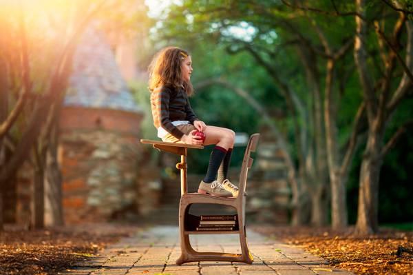 女孩,做白日梦,苹果,书籍,女学生,学校的一天,儿童摄影