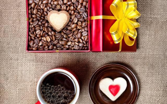 壁纸假期,框,杯,礼物,心,咖啡,蛋糕,粮食
