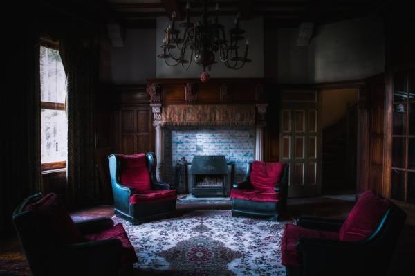 房间,吊灯,窗帘,椅子,大厦,壁炉