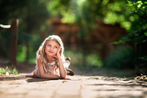 壁纸的女孩,做白日梦,散景,儿童摄影,太阳,微笑