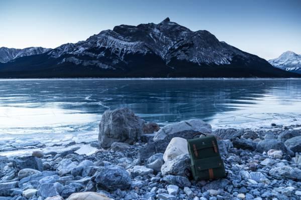 时间推移摄影的冰山旁边水高清壁纸