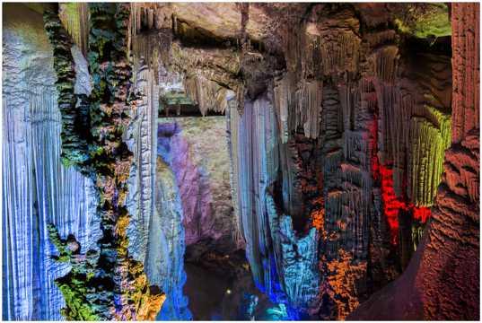 广西桂林银子岩图片
