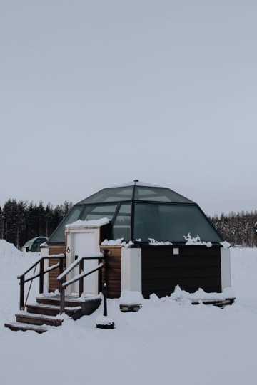 雪地玻璃温室图片