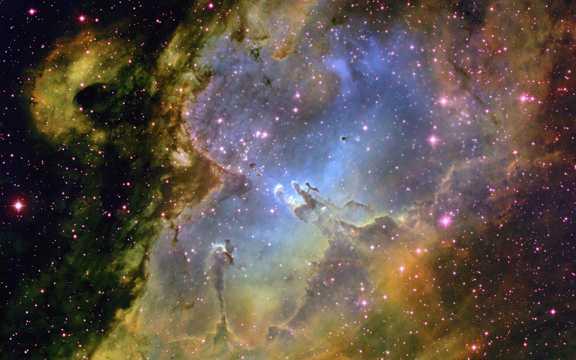 梦幻的宇宙夜空图片
