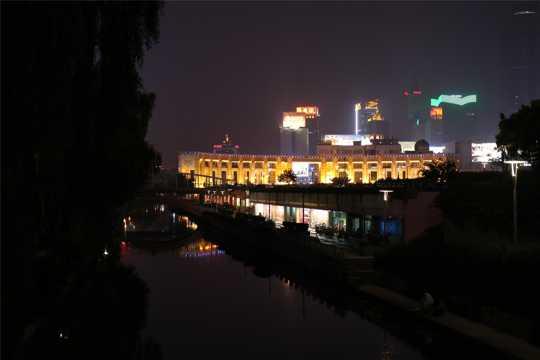 山东济南夜景图片