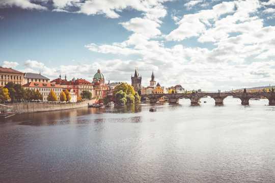 布拉格伏尔塔瓦河唯美图片