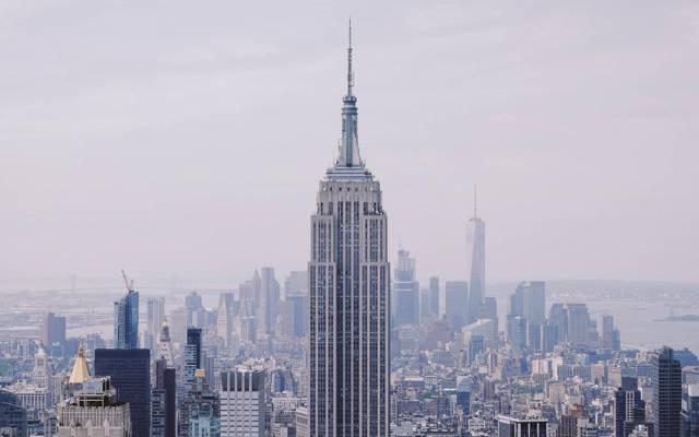 美国纽约帝国大厦桌面壁纸