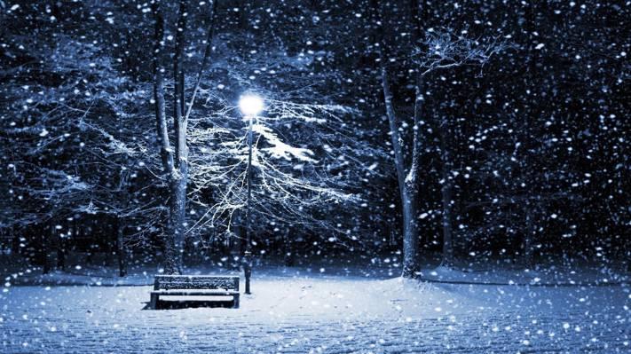 初雪的夜晚