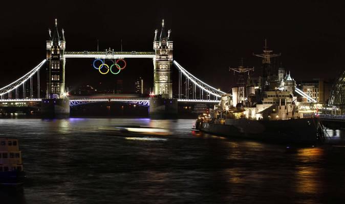 船,塔桥,英格兰,伦敦,泰晤士,巡洋舰,奥运五环,夏季奥运会2012年,夜晚,...
