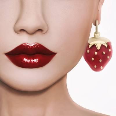 草莓吊坠耳环高清壁纸的女人