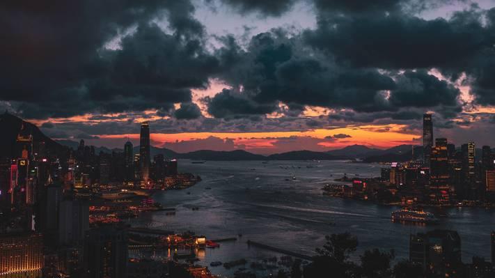 夜色下的香港维多利亚港