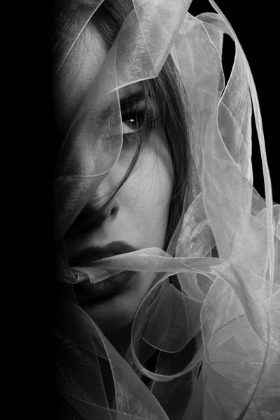 灰度摄影的女性高清壁纸