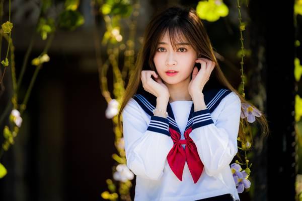 制服美女清纯可爱写真