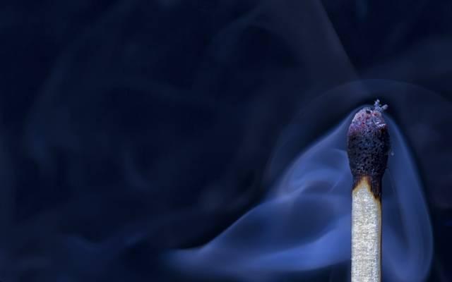 宏,烟,火柴