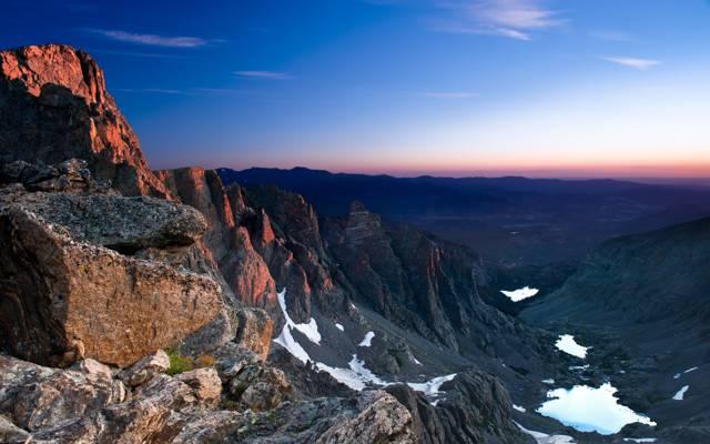 山脉的黄昏风景