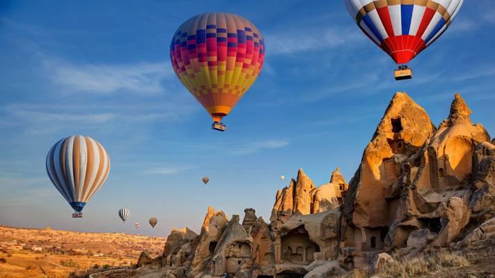 空中飘舞的热气球