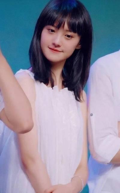 鄭爽清純甜美可人18歲
