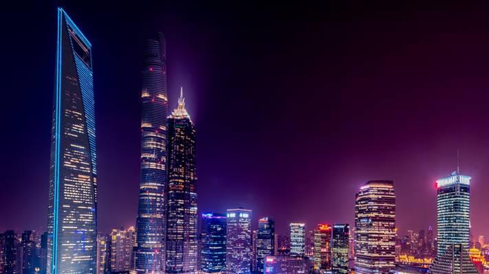 夜色下的上海陆家嘴