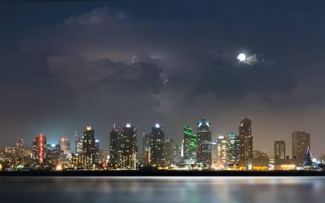 圣地亚哥,拉链,云,摩天大楼,城市,月亮,灯光,风暴,水,夜晚,河流