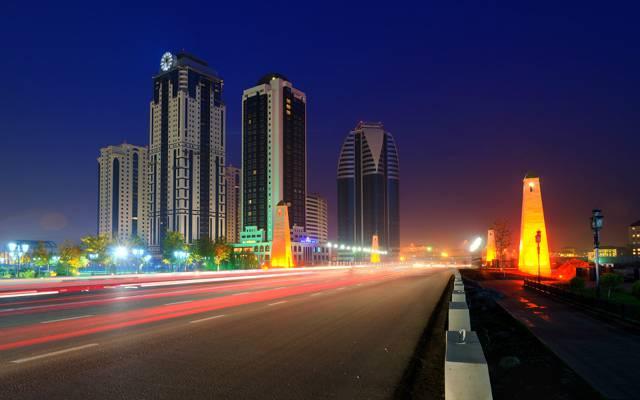 格罗兹尼市,可怕的道路,车臣,摩天大楼,城市,俄罗斯,夜间