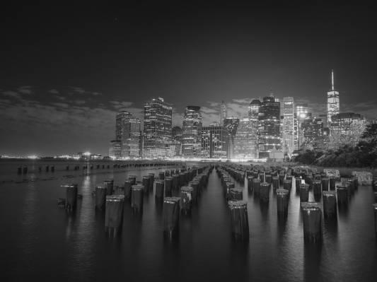 高层城市建筑高清壁纸的灰度照片