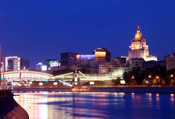 时间流逝在夜间高清壁纸河照明桥的照片