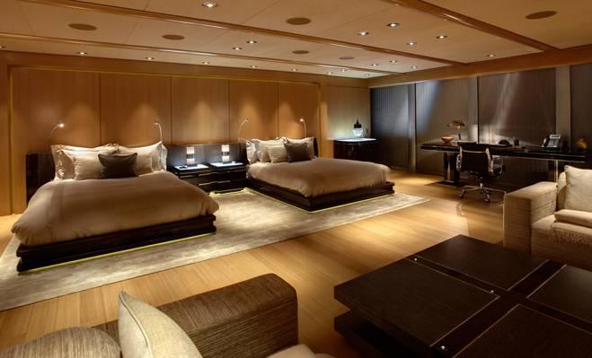 房间,家具,室内,桌子,枕头,床,桌子,床,窗户,百叶窗,卧室,椅子