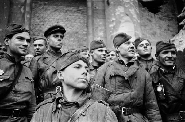 1945年5月,苏联士兵,胜利,英雄,喜悦,面对