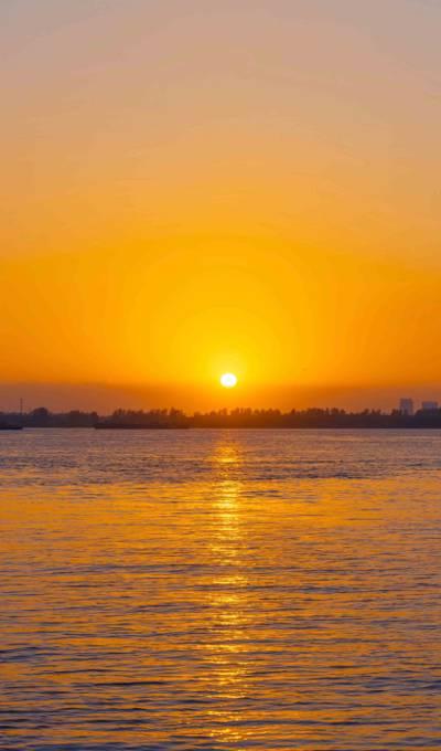 唯美的海上日落
