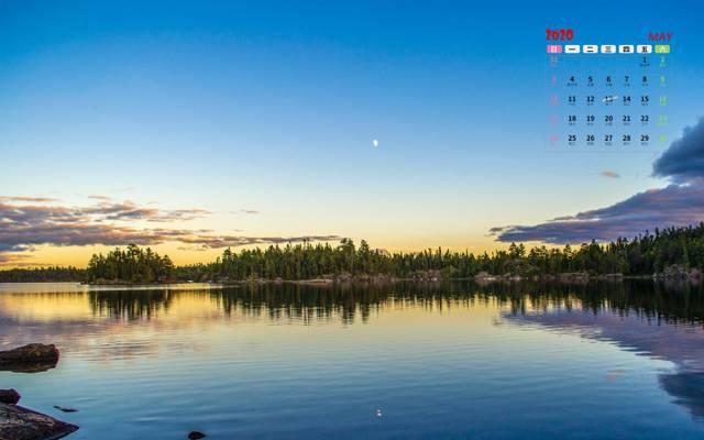 2020年唯美湖泊倒影5月日历
