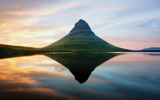 山,斯堪的那维亚,已灭绝的火山,Kirkjufell,反射,水,冰岛,天空,日落