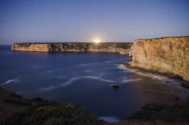 岩石山和海洋景观摄影在金色的小时,sagres高清壁纸