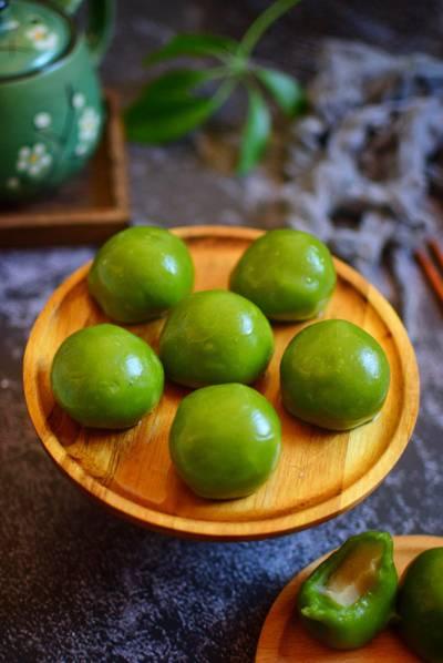 清明节特色小吃青团