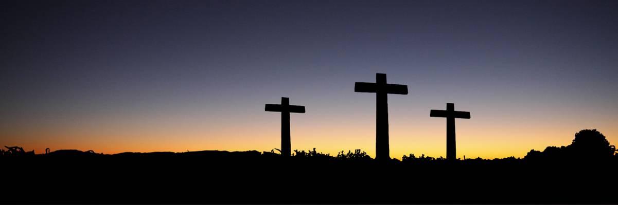 三个十字架的剪影照片HD墙纸