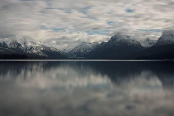 山与雪高清壁纸