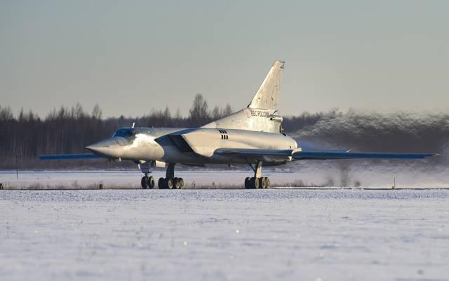 涂22M3,潜艇轰炸机,机场,超音速