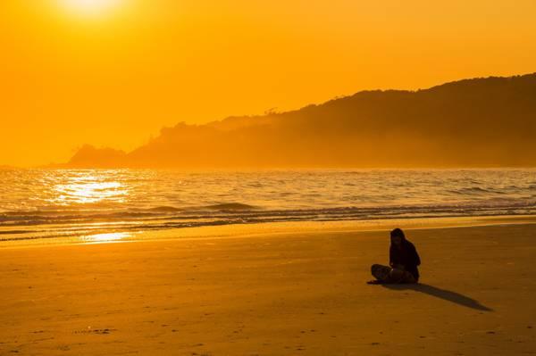 海湾,晴朗,海滨,冥想,夏天,波浪,反射,沙子,女孩,海洋,海,阴影,海滩,沉思