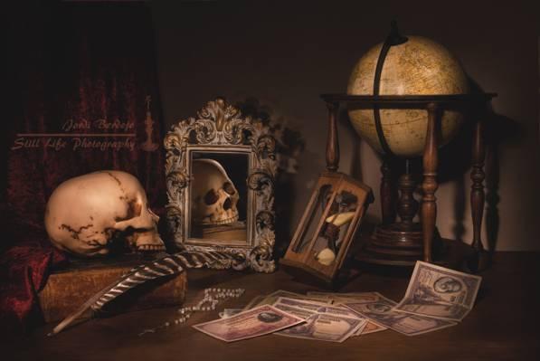 头骨,静物,镜子,钱,手表,地球,书籍,笔