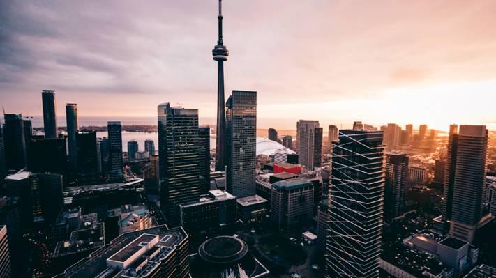 国际大都市加拿大的傍晚时分