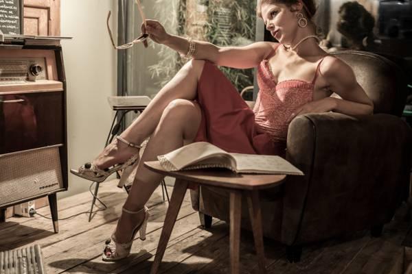 壁纸的姿势,风格,拉德拉,书,女孩,眼镜,椅子,复古