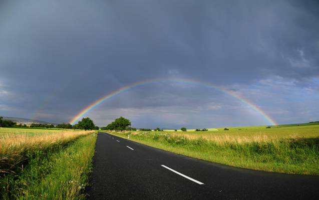 彩虹下白天高清壁纸灰云