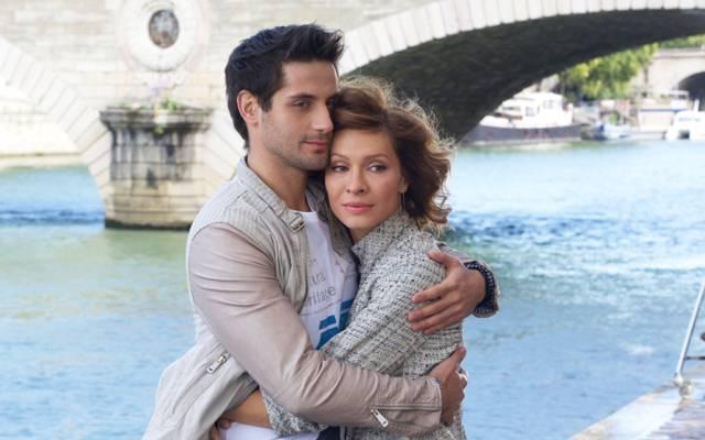 拥抱,河流,女人,埃琳娜阿姆凡布伦,马克Bogatyrev,男,恋人,厨房