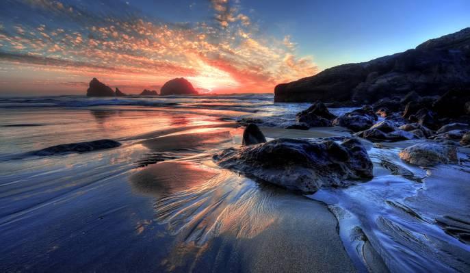 绝美的海边晚霞