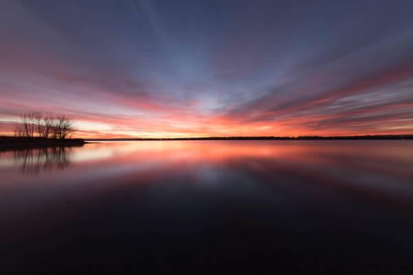 日落期间的水体摄影高清壁纸